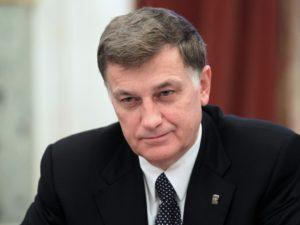 Вячеслав-Макаров-фото-пресс-службы-ЗакСа-e1358835751988-1038x780 (1)